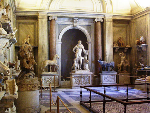 Vatican-Museum-interior-art - Plan your Rome excursion to include the Vatican Museums, repository of some of the world's most important masterpieces of Renaissance art and classical sculpture.