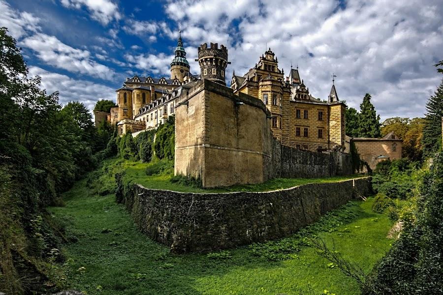 Frýdlant castle by Don Fohler - Buildings & Architecture Public & Historical
