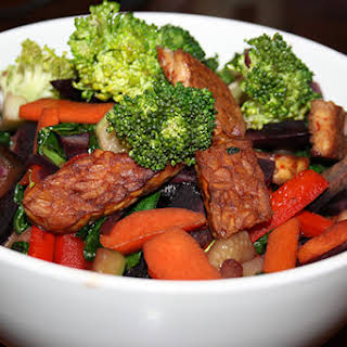 Crispy Tempeh & Vegetable Stir Fry.