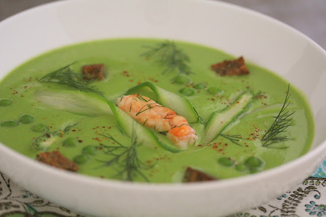 Pea Soup with Prawns and Asparagus. Recipe