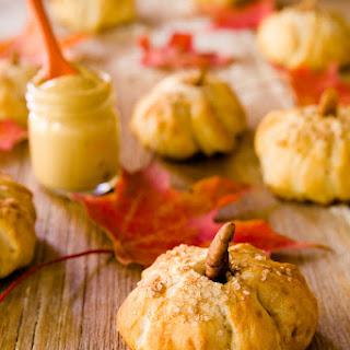 Pumpkin-Shaped Pretzel Bites