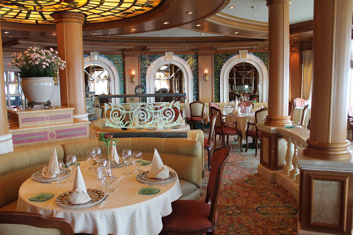 Emerald-Princess-Sabatinis - Head to Sabatini's for authentic Italian cuisine on your Princess cruise.