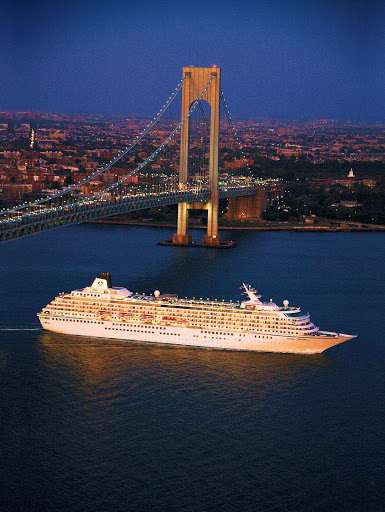 Crystal-Symphony-New-York - Visit the City That Never Sleeps and take in New York when you sail on Crystal Symphony.