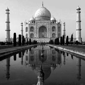 TAJ {B/W} by Chandradeep Ghosh - Black & White Buildings & Architecture (  )