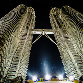 The TWins by Izhar  Hj.Ishak - Buildings & Architecture Office Buildings & Hotels