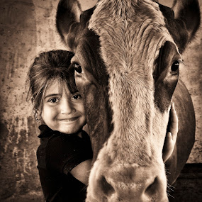 My Costa Rican Cow-Girl by Tom Reiman - Babies & Children Child Portraits ( farm, girl, costa rica, cow, cow girl,  )