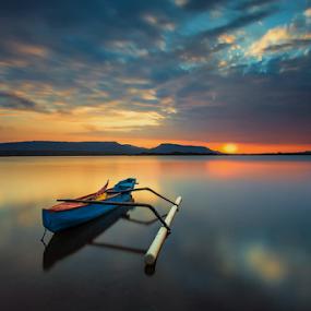 Sunrise warm and blue jukung by Gus Mang Ming - Landscapes Sunsets & Sunrises ( jukung #bali #blue #sunrise )