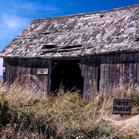 Soyez Prudent by Flavio Mini - Buildings & Architecture Decaying & Abandoned ( old, barn, architecture, abandoned, decay,  )
