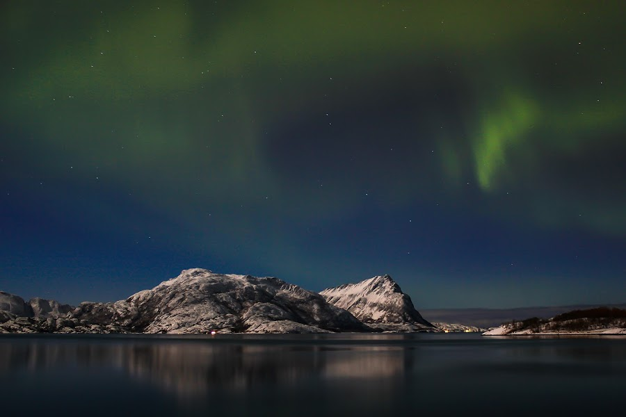 Aurora by Elisabeth Sjåvik Monsen - Landscapes Weather ( mountain, winter, sea, north, coast, norway,  )