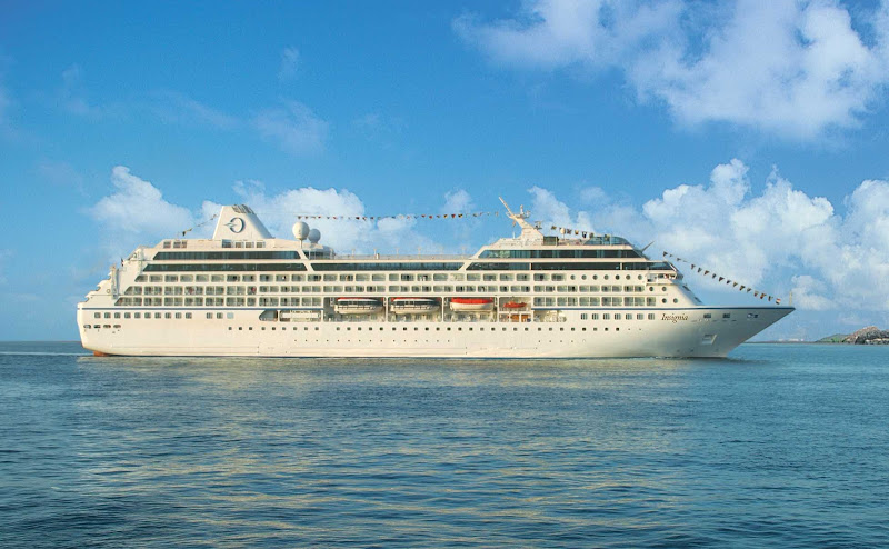 Oceania Insigina comfortably carries 684 passengers and 400 crew for the cruise of a lifetime.