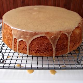 Vanilla-Glazed Yoghurt Cake.