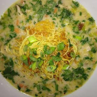 Creamy Coconut Shrimp & Kaffir Lime Soup w/ Pan Fried Noodles.