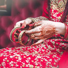 Farrukh Saleem Photography by Farrukh Saleem - Wedding Getting Ready ( mehndi, pakistan, red, female, wedding, karachi, jewelry, bangles, female wedding photographer karachi, bride, photography )