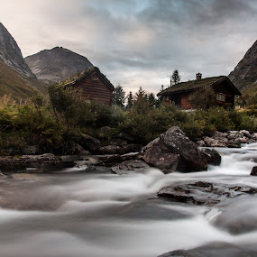 Fjellhytte by Dirk Rosin - Landscapes Mountains & Hills ( water, hill, fjell, vann, elv, river,  )