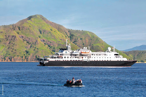 Enjoy a complimentary scuba diving adventure with expert guides when you travel on Silver Discoverer.