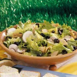 Artichoke Tossed Salad (Italian salad dressing)