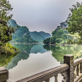 River view by Wahan Shahbazian - Landscapes Waterscapes ( vietnam, rowboat, river, tam cốc,  )