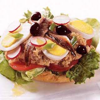 Niçoise Tuna Sandwich (Pan Bagnat)