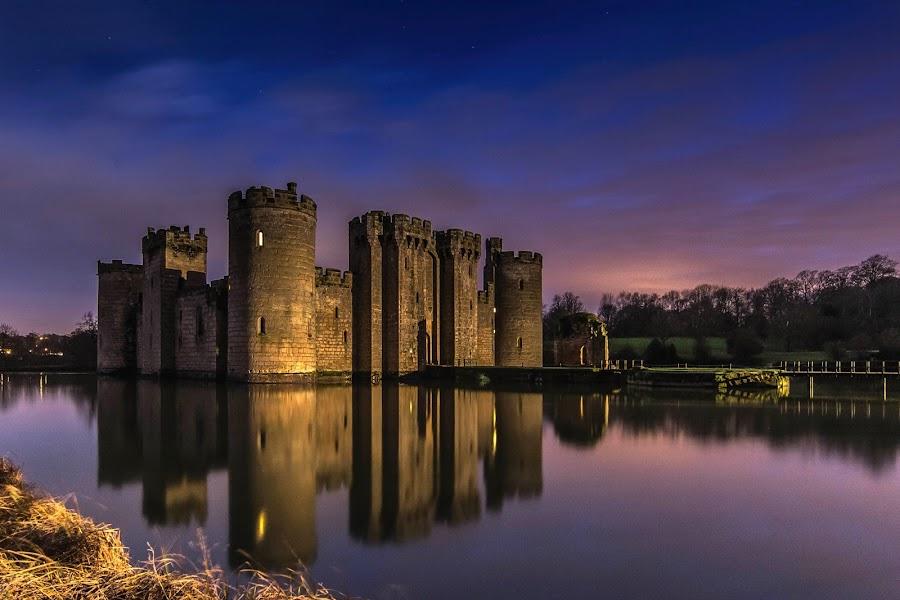 Bodiam Castle by Sergiusz Rydosz - Buildings & Architecture Public & Historical ( sky, bodiam castle, night, castle, light )