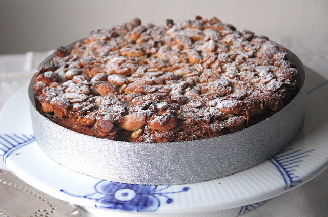 """Christmas """"Fruitcake"""" with Dried Apricots and Almonds Recipe"""