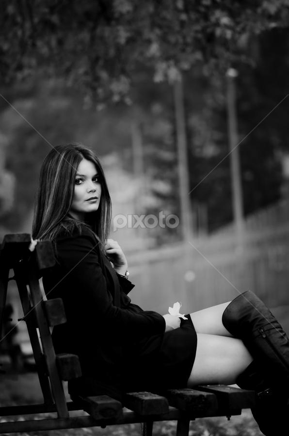 Dark beauty by Nebojsa Mrdja - People Fashion ( beuty, girl, bw, nikon )