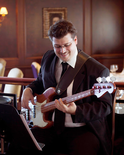Azamara-Jazz-Brunch - A jazz musician performs during brunch on an Azamara cruise.