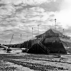 Broadstairs Harbour. by Mark Milham - Black & White Landscapes ( broadstairs, broadstairs harbour, kent, boats, harbour, thanet, beach )
