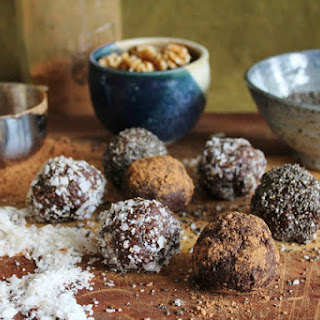 Walnut Bliss Balls With Chia, Coconut + Carob.