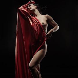 Kayta by Crispin Lee - Nudes & Boudoir Artistic Nude