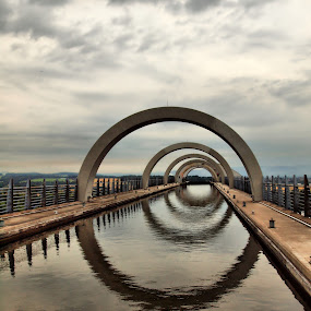 Falkirk Wheel by Martin Hughes - Buildings & Architecture Bridges & Suspended Structures
