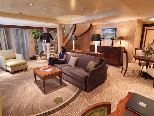Cunard-Queen-Mary-2-Q2-Duplex - Guests who book a Duplex Suite aboard Queen Mary 2 get a comfortble, spacious living room area on the lower level.