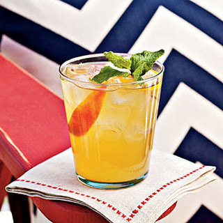 Bourbon-Peach Cocktail.