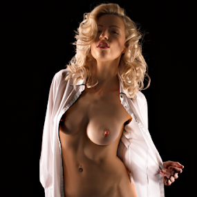 by Riaan Www.rampix.co.uk - Nudes & Boudoir Artistic Nude ( nude, blond, artistic nude )