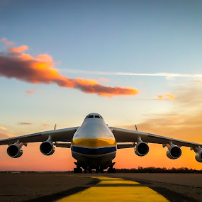 AN-225 by Alan Grubelić - Transportation Airplanes ( sunset, an-225, airplane, the bigest, zagreb airport,  )