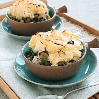 Individual Chicken Potpies with Mushrooms and Peas