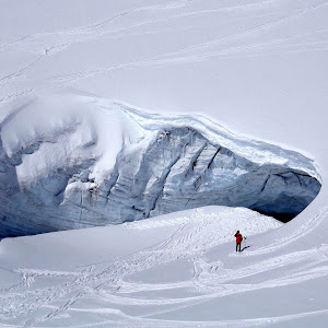 388 Hole in the snow.JPG