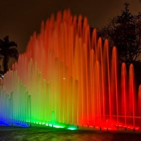 Rainbow fountain by Maritere Izaguirre - City,  Street & Park  Fountains ( water, peru, park, fountains, long exposure, lima )