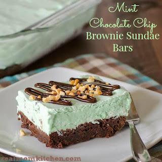 Mint Chocolate Chip Brownie Sundae Bars