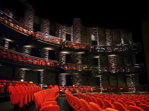 The Royal Danish Playhouse (Skuespilhuset in Danish) hosts performances for the Royal Danish Theatre.