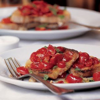 Garlic-Rubbed Toast with Fresh Tomatoes and Basil (Bruschetta al Pomodoro)