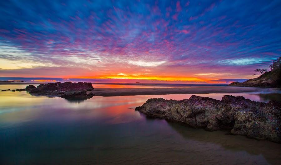 Red Rock morning sunrise by Lu Townsend - Landscapes Sunsets & Sunrises ( red rock, seascape, sunrise,  )