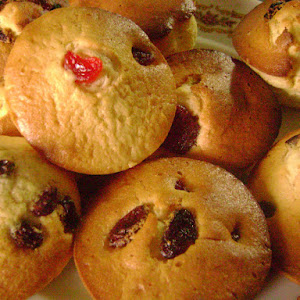 Red Fruit and Raisin Muffins