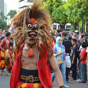 Topeng on the street by Agus Natadijaya - News & Events Entertainment ( street, people )