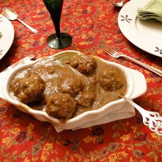Mom's Norwegian Meatballs with Gravy (Kjøttkaker med brunsaus).