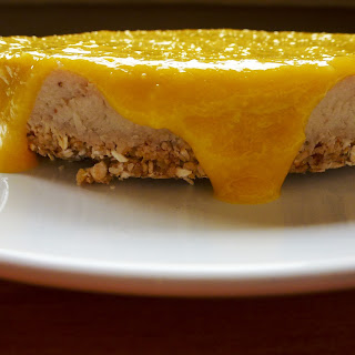 Banana Cheesecake with Mango Sauce