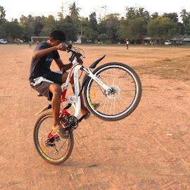 rodeo stunts by Michelstien Shiva - Sports & Fitness Cycling (  )