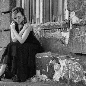 by Dody Surman - Black & White Portraits & People