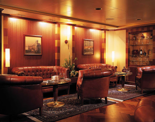 Silversea_HumidorbyDavidoffCigarLounge-1 - If you're a cigar smoker, the Humidor by Davidoff Cigar Club on Silver Shadow is a great place to lounge.