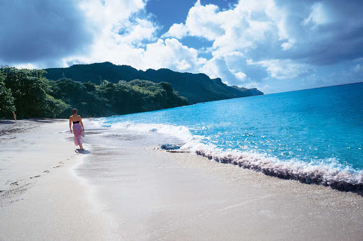 Windstar-Cruises-beach-single - Go for a solo stroll in the tropics on your Windstar cruise.