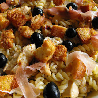 Fusilli with Chicken, Ham and Croutons.